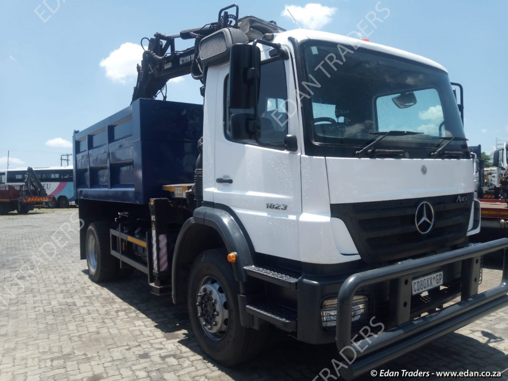 2005 MAN TGA 18-360 Single axle truck tractor (If fitted with hydraulics R 275 000.00 excl VAT) for sale, finance available